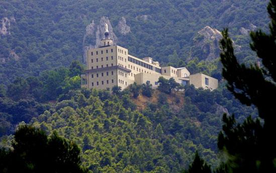 edificio_font_roja_alcoy_alcoi_costa_blanca_comunidad_valenciana_espana_web