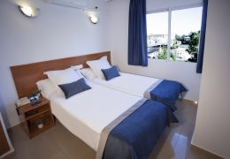 Double Room: Hotel in Alcoy