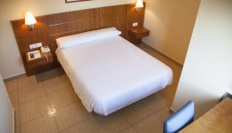 Single Room: Hotel in Alcoy